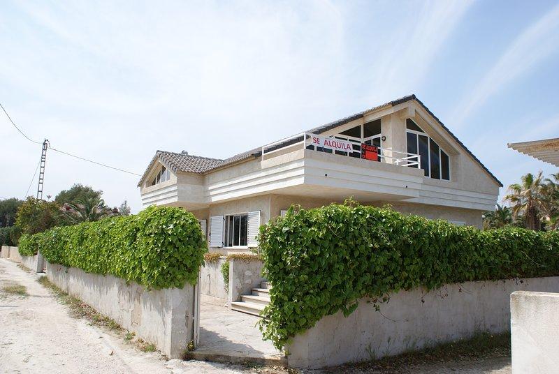 Chalet 1ª linea del mar - LIMPIADO CON OZONO, holiday rental in Denia