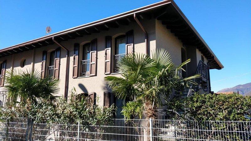 Casa Sabina C - Ferienwohnung am Lago Maggiore, casa vacanza a Maccagno