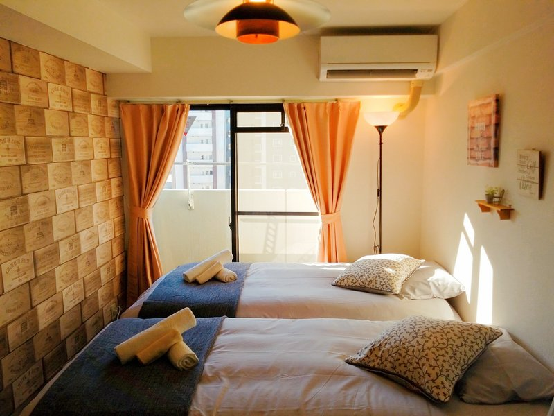Namba,Nipponbashi 7min! OSAKA Sunshine House! # 7B, holiday rental in Namba