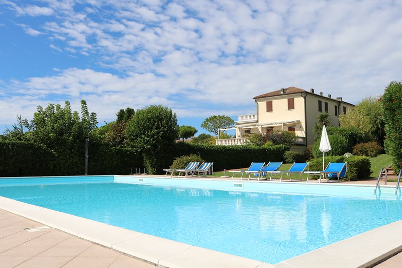 Arybell at Residence Le Mimose Holiday Apartments, holiday rental in Moniga del Garda