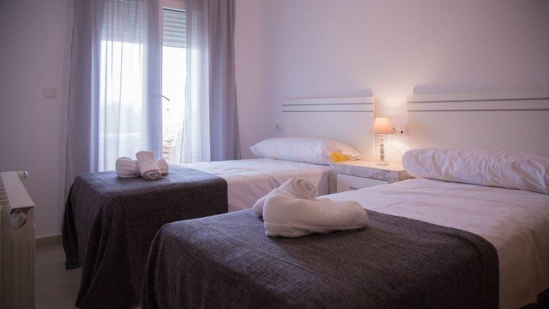 3 Apartment with Pool and Golf in MURCIA, location de vacances à Roldan