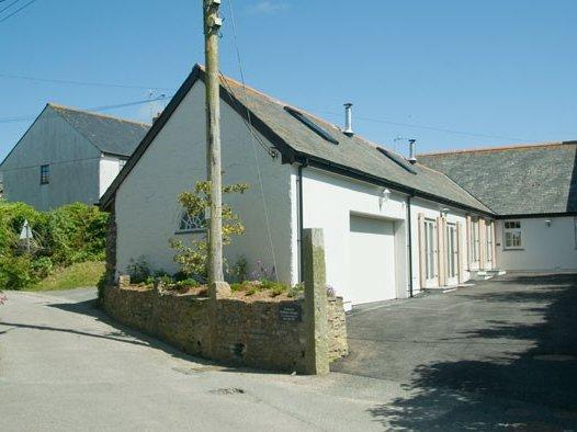 NO 1 THE HINGES, Farm Conversion, 1 Bedroom, Central Location, Ref:983135, Ferienwohnung in Crantock