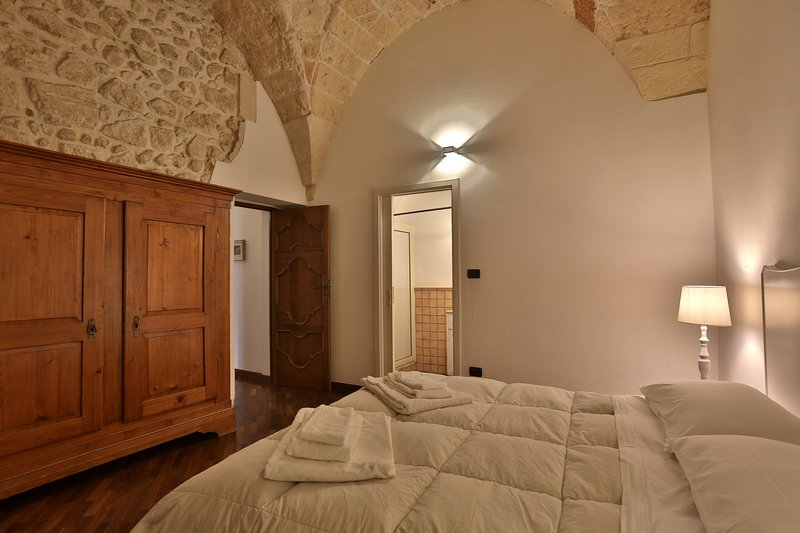 Large apartment consisting of two double bedrooms, kitchenette and bathroom