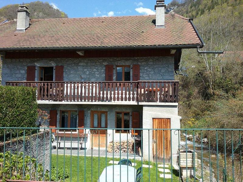 Charmante Maison Individuelle ANGON- TALLOIRES de 450 à 750€/semaine., location de vacances à Montmin