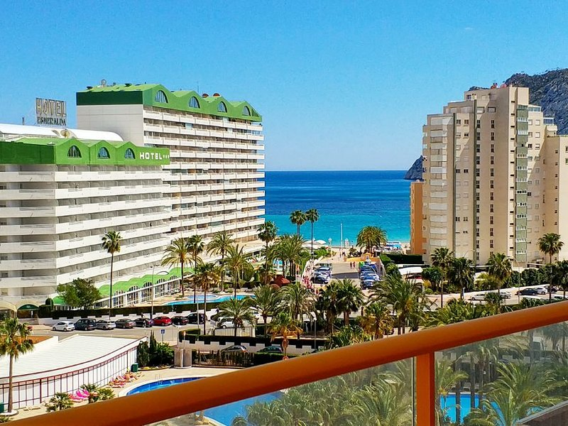 Ambar Beach 27D - Apartment with pool and sea views close to the beach in Calpe, vakantiewoning in Calpe