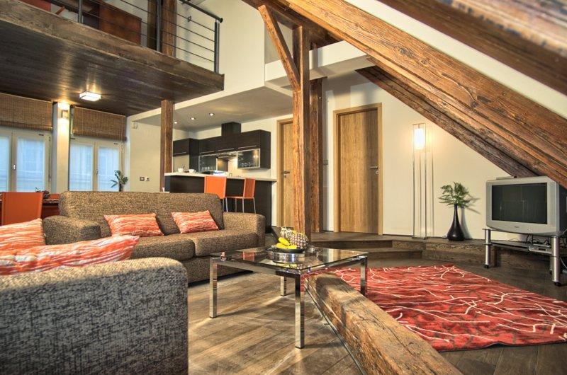 Visão geral - único, espaçosa área de estar com assentos confortáveis