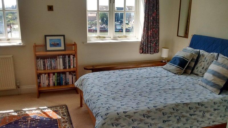 Riverside Cottage, holiday rental in Burpham