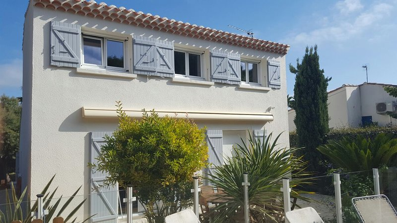 Amazing villa with swimming-pool, holiday rental in Cap-d'Agde