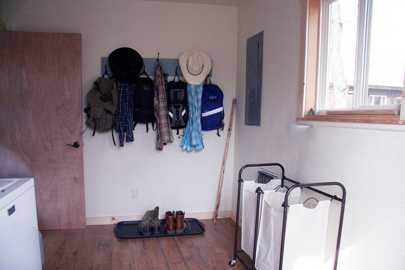 Waschraum mit Waschmaschine / Trockner für die Nutzung