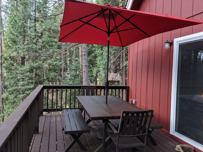 salle à manger ensemble de patio pour les repas d'été en plein air parfait