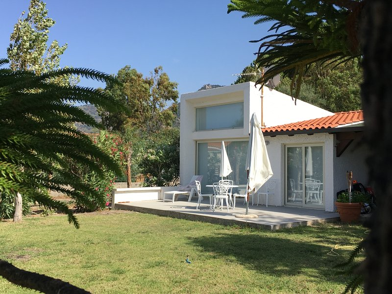 Kite House, holiday rental in Patti