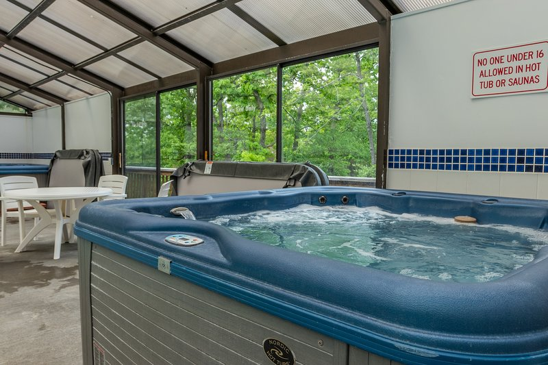 Tree Loft Hot Tub