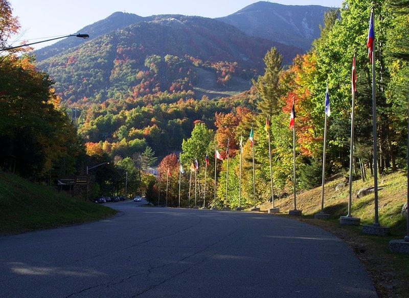 De herfst is adembenemend bij Whiteface! Neem een gondel rit naar de top en genieten van het uitzicht.