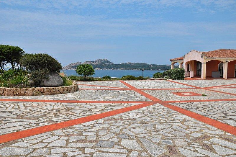 Appartamento 5 posti letto vista mare Baia Santa Reparata, holiday rental in Sennori