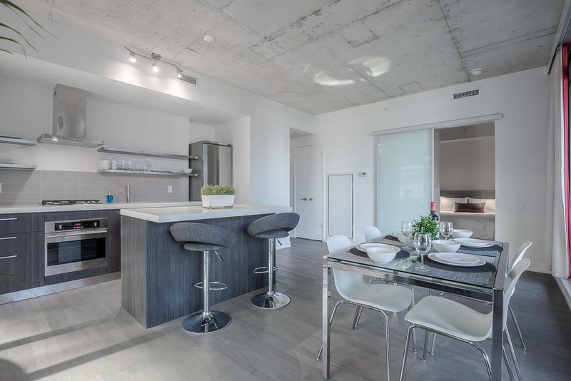 Noel Suites - Fashion District, vacation rental in Toronto