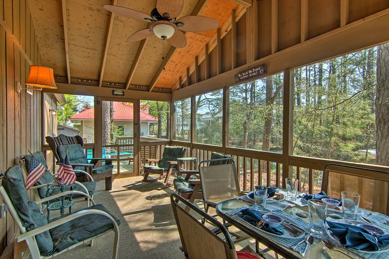 Updated Bethany Beach Home w/Deck - 1 Mi to Ocean!, holiday rental in Bethany Beach