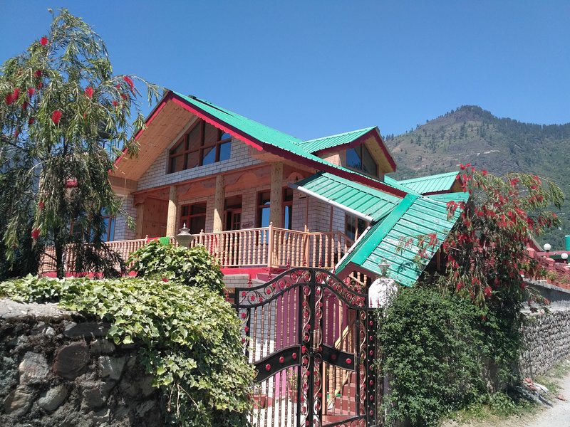 Rangri Homestead Manali, holiday rental in Karjan
