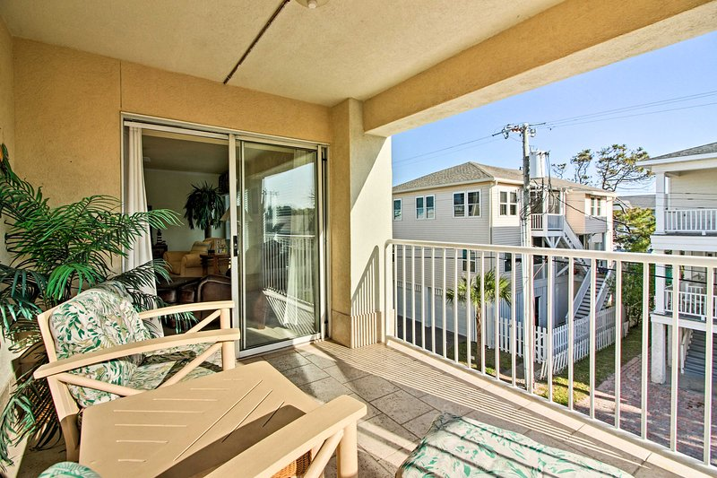 Follow your wanderlust to this vacation rental condo on Tybee Island!