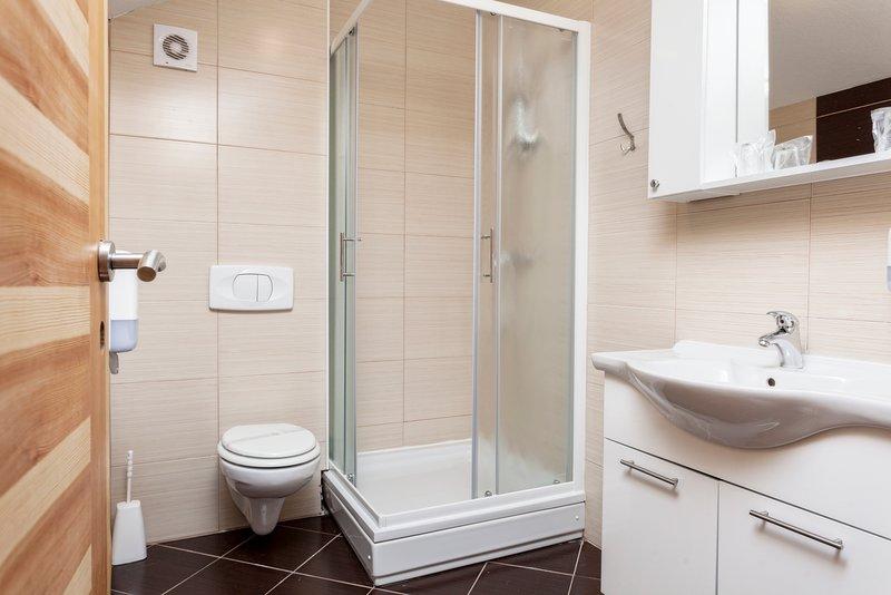 CONFORT habitaciones baño