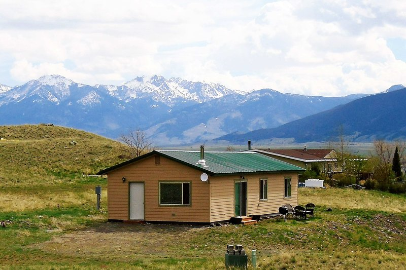 This Emigrant vacation home boasts Paradise Valley and Yellowstone River views!