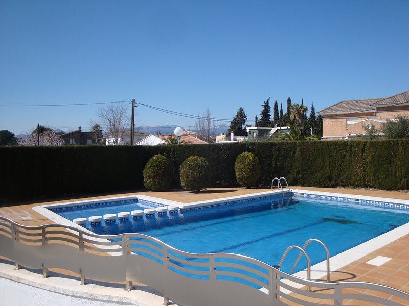 Amazing house with pool access, aluguéis de temporada em Mont-roig del Camp