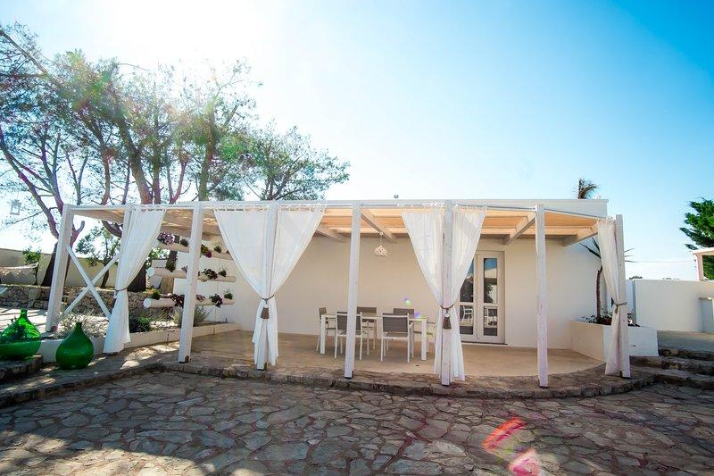 Villetta fronte piscina il giardino Terra Nostra nel salento, vacation rental in Ugento