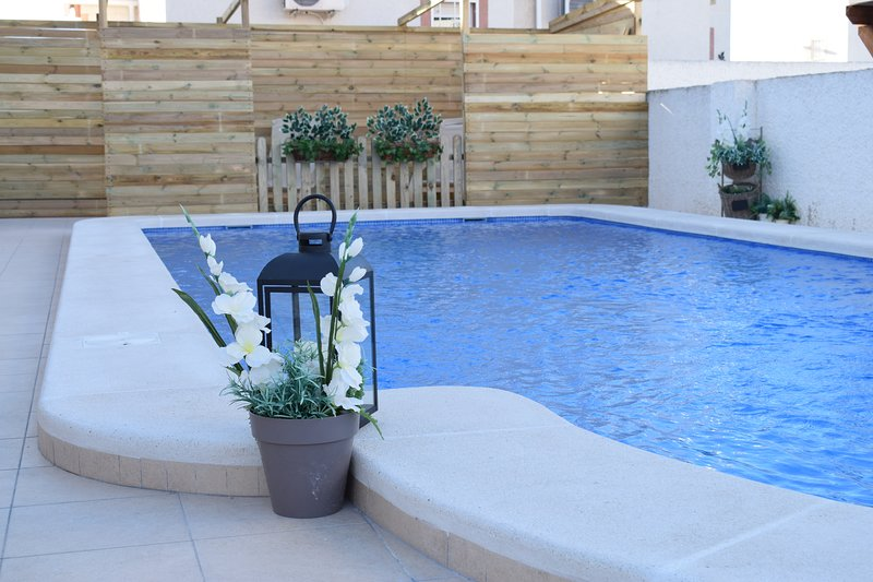 Chalet con piscina privada en Ciudad Quesada, holiday rental in Algorfa