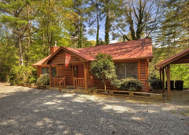 Toccoa River Front 4 Bedroom 3 Bath Log Cabin With Hot