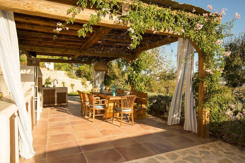 Bahia de San Antonio Villa Sleeps 12 with Pool and Air Con - 5624517, holiday rental in Sant Antoni de Portmany