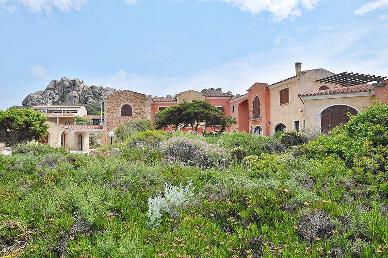 Appartamento 5 posti letto vista mare Baia Santa Reparata- Santa Teresa Gallura, holiday rental in Capo Testa