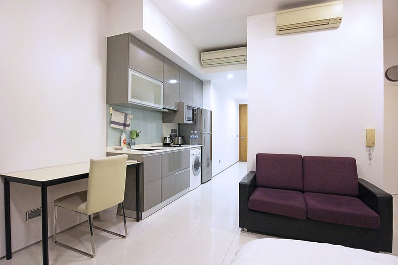 LARGE STUDIO APARTMENT, CBD MISTRI ROAD, SINGAPORE, holiday rental in Singapore