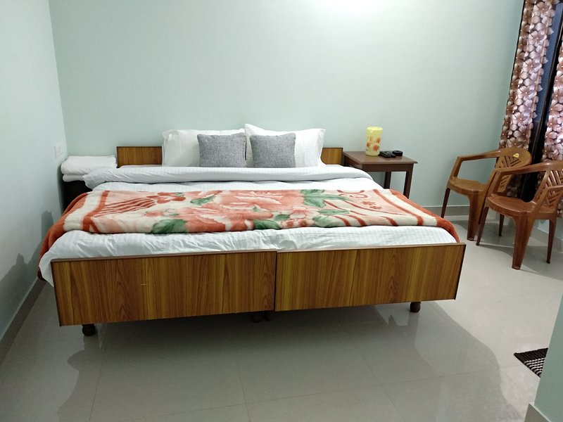 Anurag homestay, vacation rental in Arki