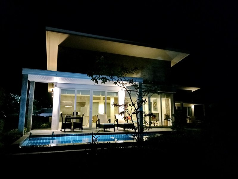 LANTA LAGOON Villa 3 – semesterbostad i Ko Lanta