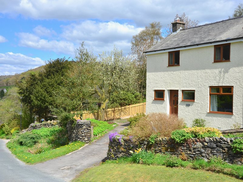 LING FELL COTTAGE, Lake District National Park, conservatory, woodburner, Ref, casa vacanza a Backbarrow