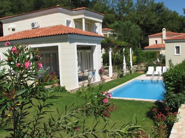 Beautiful Detached Villa with own swimming pool in mountainside peaceful setting, vacation rental in Gocek