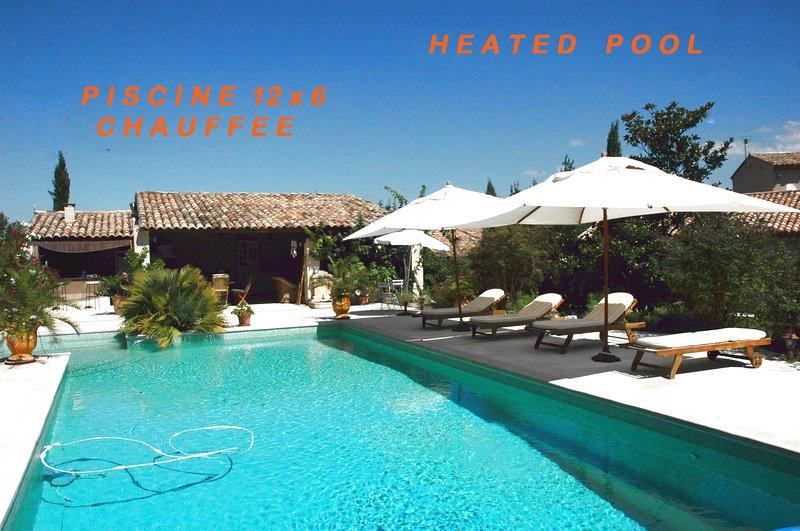 Superbe Villa 300m2 dans le Luberon 12 pers Piscine chauffée, vacation rental in Maubec