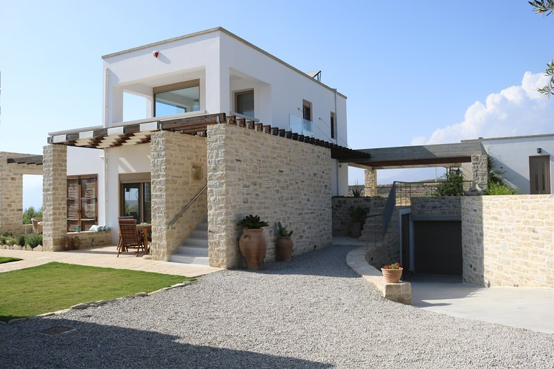Entrance to Villa Psili