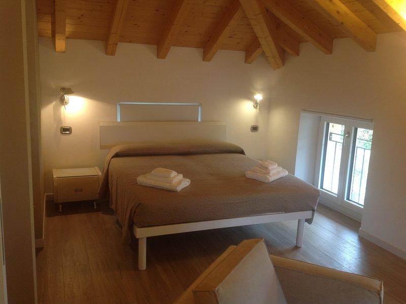 Appartamento 'I Tulipani 2', holiday rental in Griante