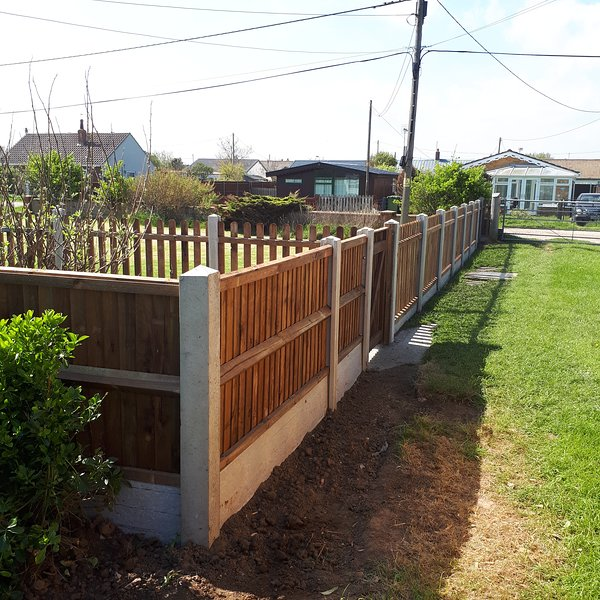 Fenced front drive
