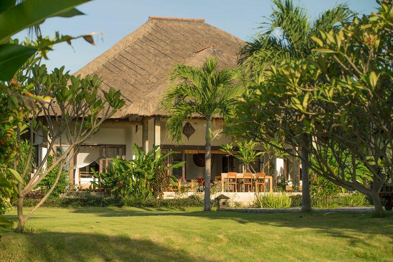 Kundalini Beach House Bagus