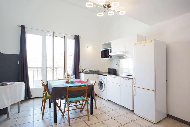 DUPLEX 4 PERSONNES A 200m DE LA MER, holiday rental in Giens