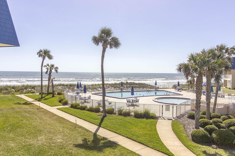Beachgoers Dream Condo, alquiler vacacional en Crescent Beach