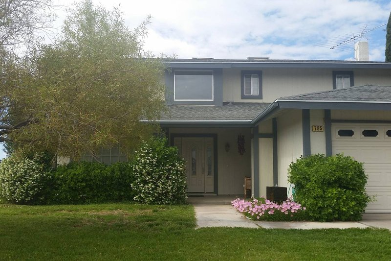 Private room near Hoover Dam and Lake Mead, holiday rental in Boulder City