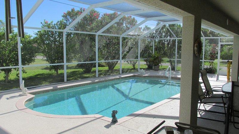 Villa Franca, Beautiful Family-Home, Solar heated pool, WiFi, pet friendly, location de vacances à Cape Coral