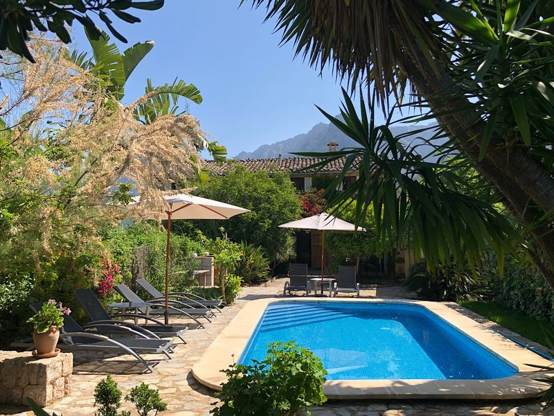 Charming Villa with beautiful views in Soller, holiday rental in Soller
