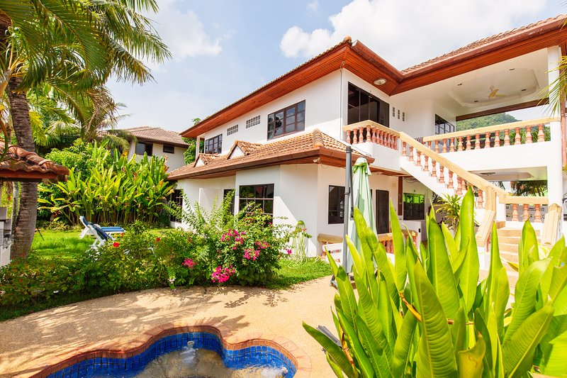 Kamala 7 - Fantasy villa 2 bedroom, swimmingpool, aluguéis de temporada em Kathu