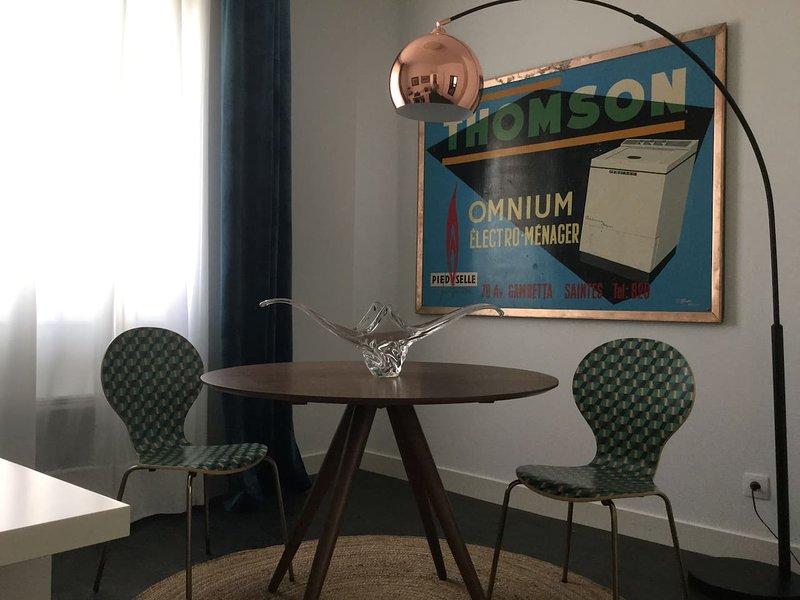 Appartement chic et trendy en centre-ville, vacation rental in Taillebourg