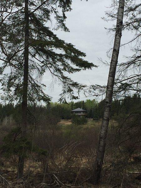 Set cabina isolata con osservazione della fauna selvatica in mente e un sacco di privacy!