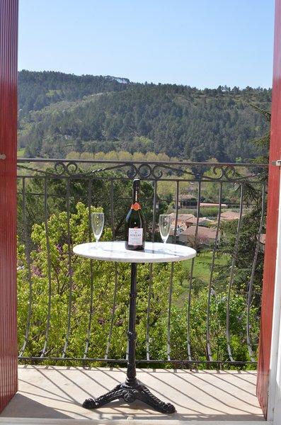 Apreciar o vinho em 'Um Quarto com Vista'