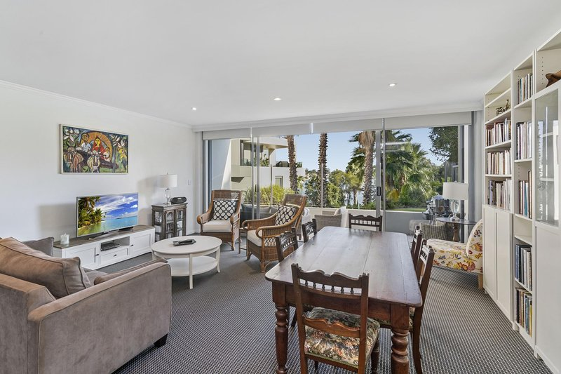 Waterfront Resort Living with Space for the Family, location de vacances à Strathfield